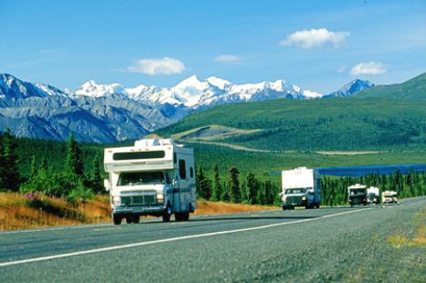RV traffic Glenn Highway and Chugach mtns